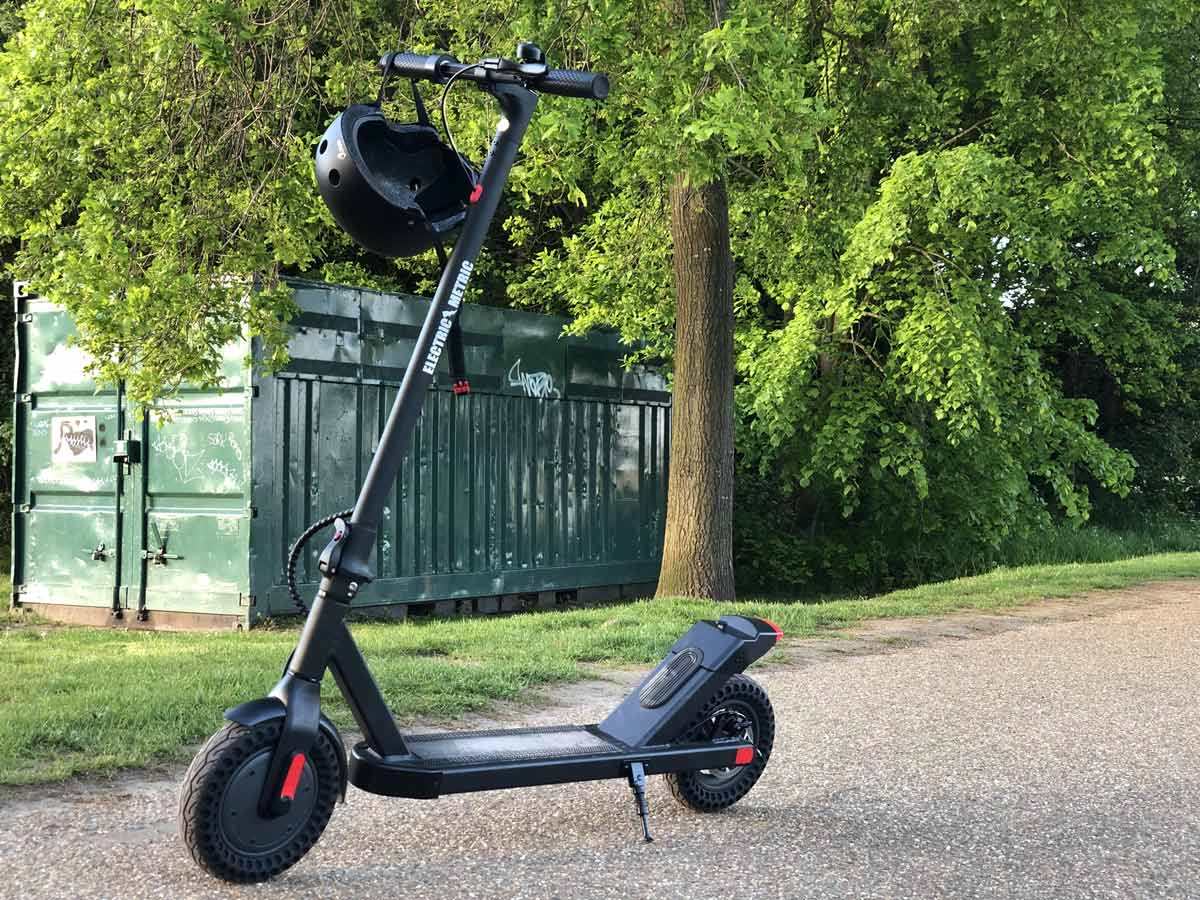Emetric Pro Adults Electric Scooter